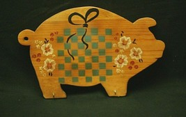 Stitch 'n Thyme Wooden Board Pig Key Ring Holder Country Farm Home Decor - $24.74