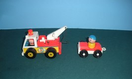 Vintage Fisher Price Little People #718 Tow Truck and Car Comp/EXC+++-NR... - $45.00