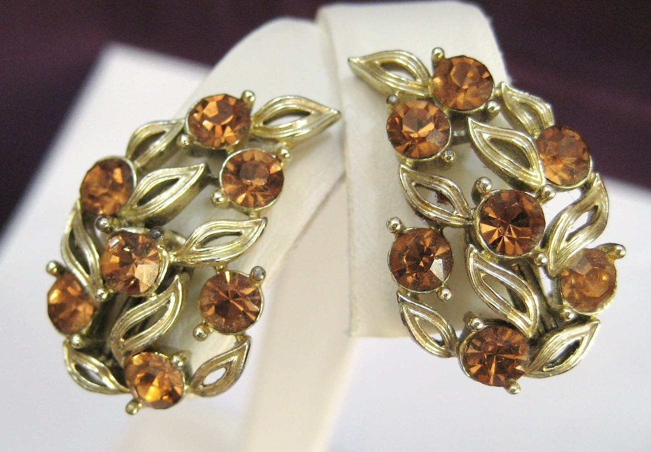 Vintage LISNER Tawny Amber Rhinestone Earrings