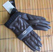 UGG Gloves Tech Dandylion Quilted Leather Med NEW $125 - $95.00
