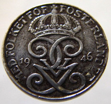 1946 SWEDEN CROWNS COIN over 65 Years Old Swedi... - $14.99