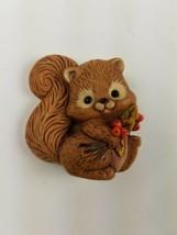 1982 Hallmark Holiday Thanksgiving Pin Squirrel Brown Tan - $9.65