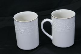 """Libbey White Embossed Holly Cups Mugs Xmas Gold Trim 4.25"""" Lot of 8 image 6"""