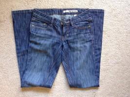 DKNY Women's Blue Straight Leg Jeans Size 26 - $29.00