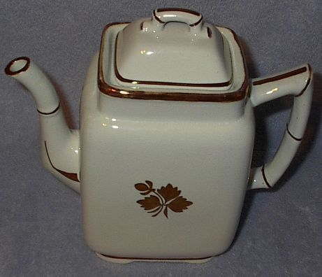 Tea leaf teapot1