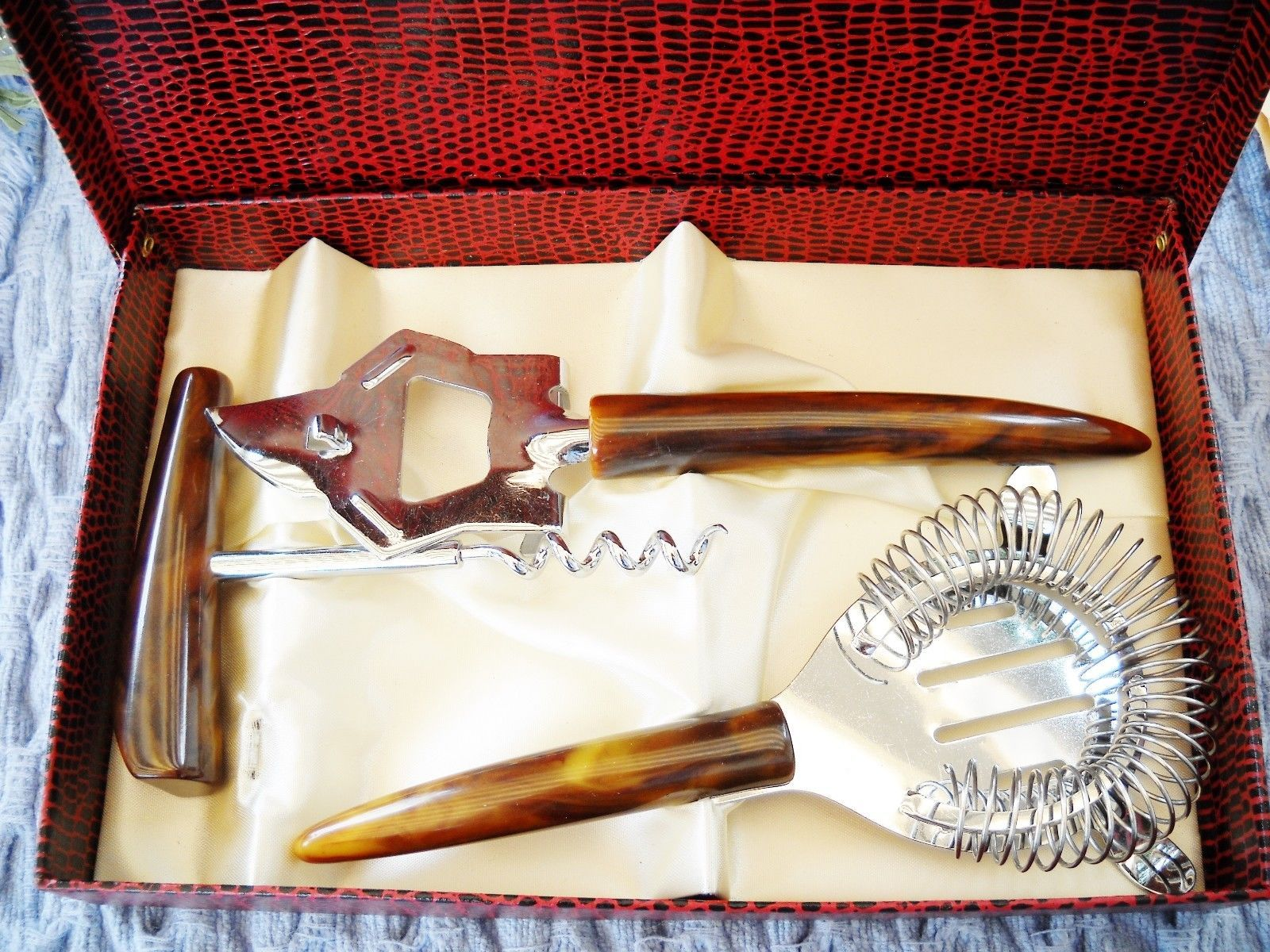 Primary image for VINTAGE 3-PC STAINLESS STEEL BAR SET W/MARBLED LUCITE HANDLES, ORIGINAL BOX