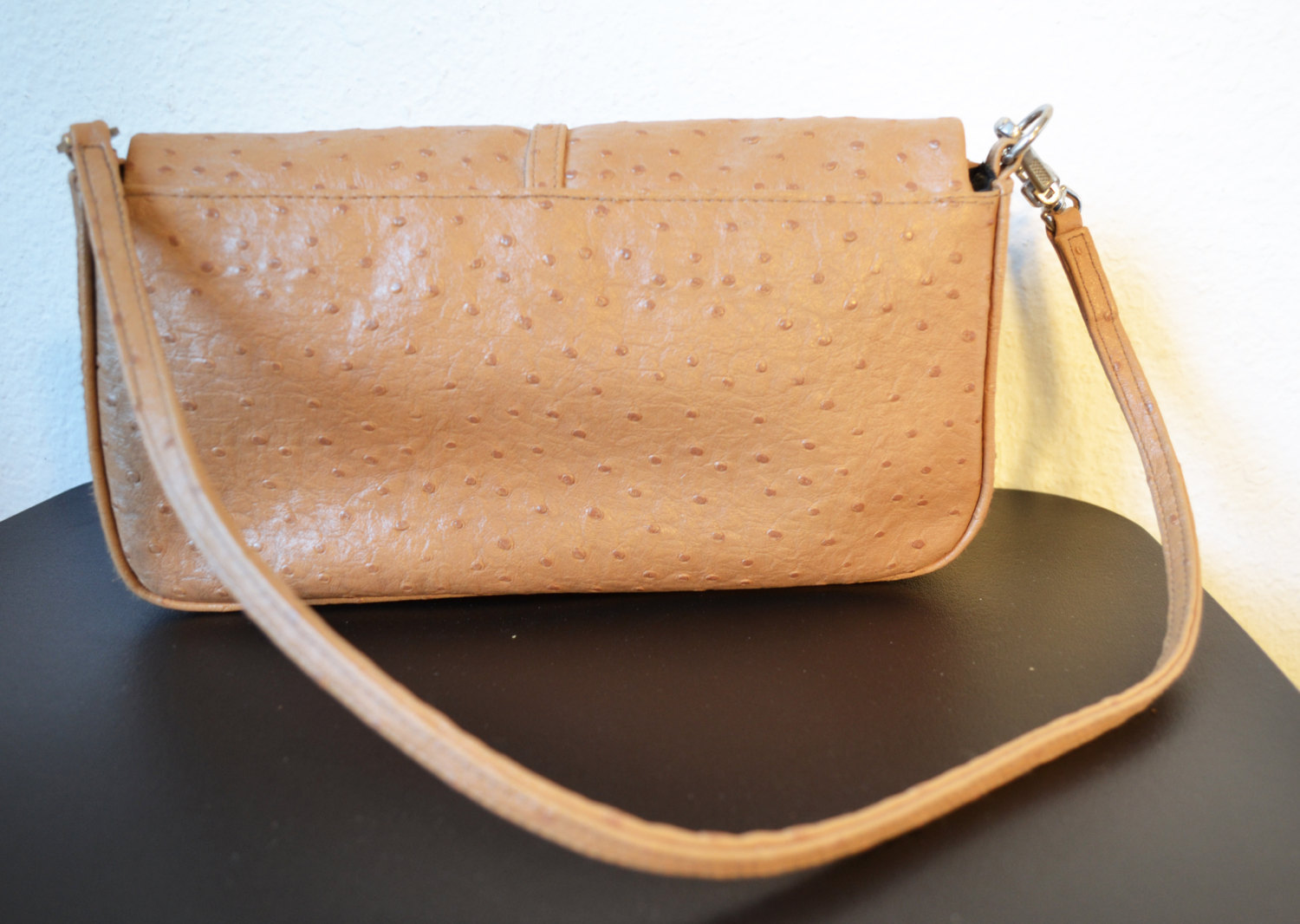 Free Shipping XOXO New York Faux Ostrich Leather Purse Tan Clean Shoulder Bag