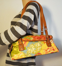 Free Ship Floral Canvas and Faux Leather Shoulder Bag Purse Relic - $29.00