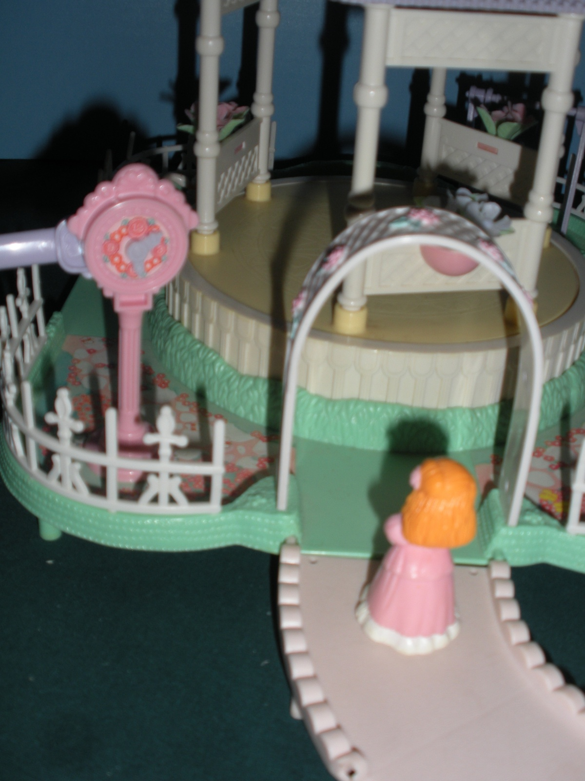 Vtg. Fisher Price Precious Places #5165 Twirling Melody Gazebo Comp. w/Box/NR MT