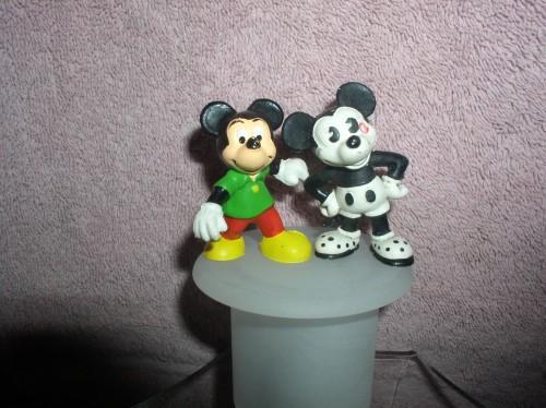Disney Mickey Mouse  PVC 2 Bullyland and Walt Disney Produtions Figurines