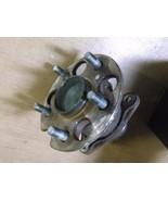 Used Toyota Highlander Right Rear Wheel Hub with Bearings 512283 - $49.97