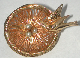 Vintage gold-tone Cute Bird on Nest with Eggs Pin/Brooch  - $13.00