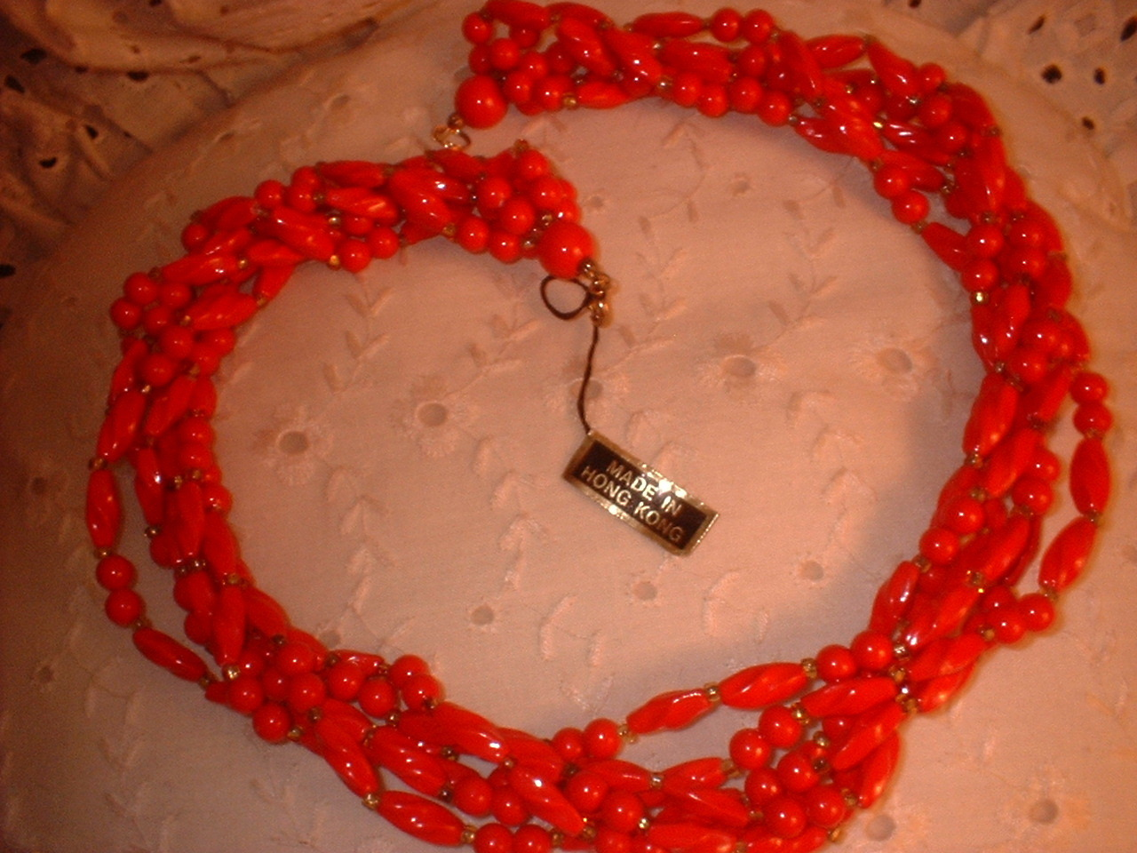 Hong kong necklace red