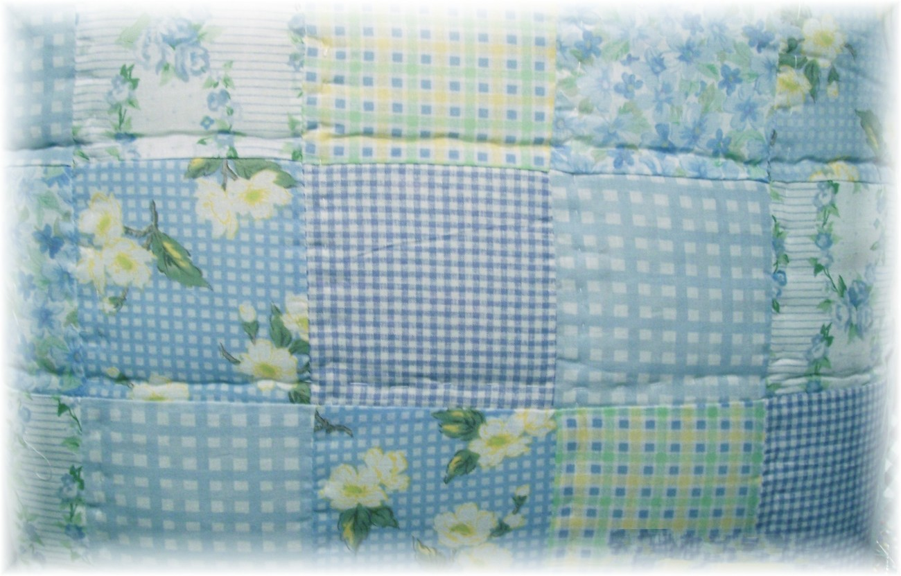 Shabby Cottage Chic Blue Rose Floral Patchwork Quilt Set
