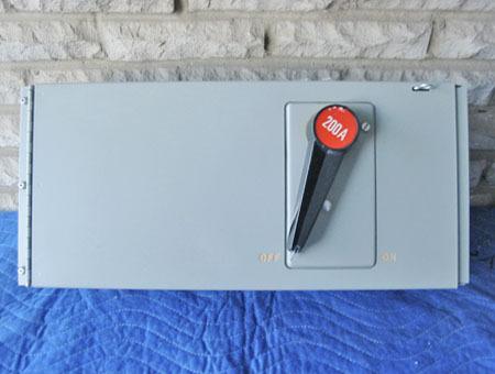Fpe 200a 240v panelboard switch a