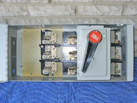 FPE QMQB SWITCHMATIC 200 AMP, 240 VAC FUSED PANELBOARD SWITCH (QMQB2032) ~ RARE!