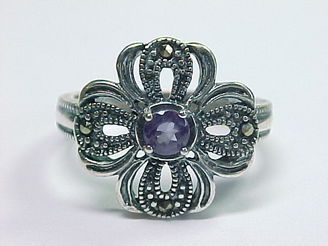 AMETHYST and MARCASITES Vintage RING in Sterling Silver - Size 8 1/4