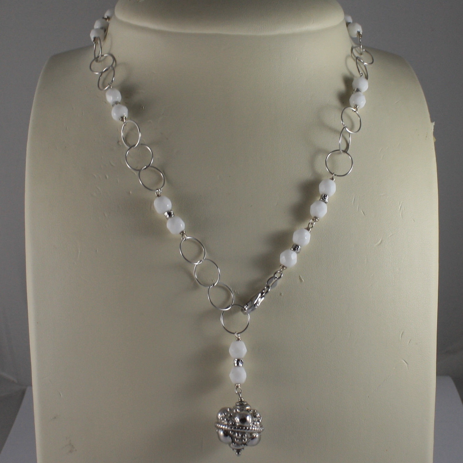 .925 SILVER RHODIUM NECKLACE WITH WHITE AGATE AND SILVER SPHERE