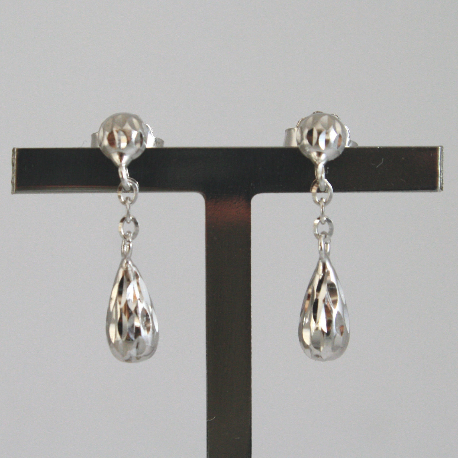 SOLID 18K WHITE GOLD EARRINGS, WITH HAMMERED DROPS , LENGTH 0,83 IN