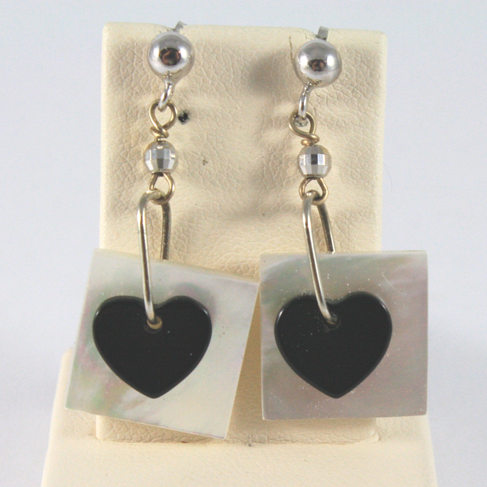 SOLID 18K WHITE GOLD EARRINGS, WITH MOTHER OF PEARL AND ONYX, LENGTH 1,38 IN.