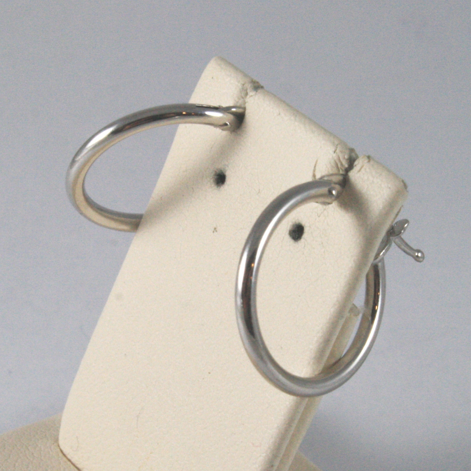 SOLID 18KT. WHITE GOLD CIRCLE TUBE EARRINGS DIAMETER 0,63 IN MADE IN ITALY.