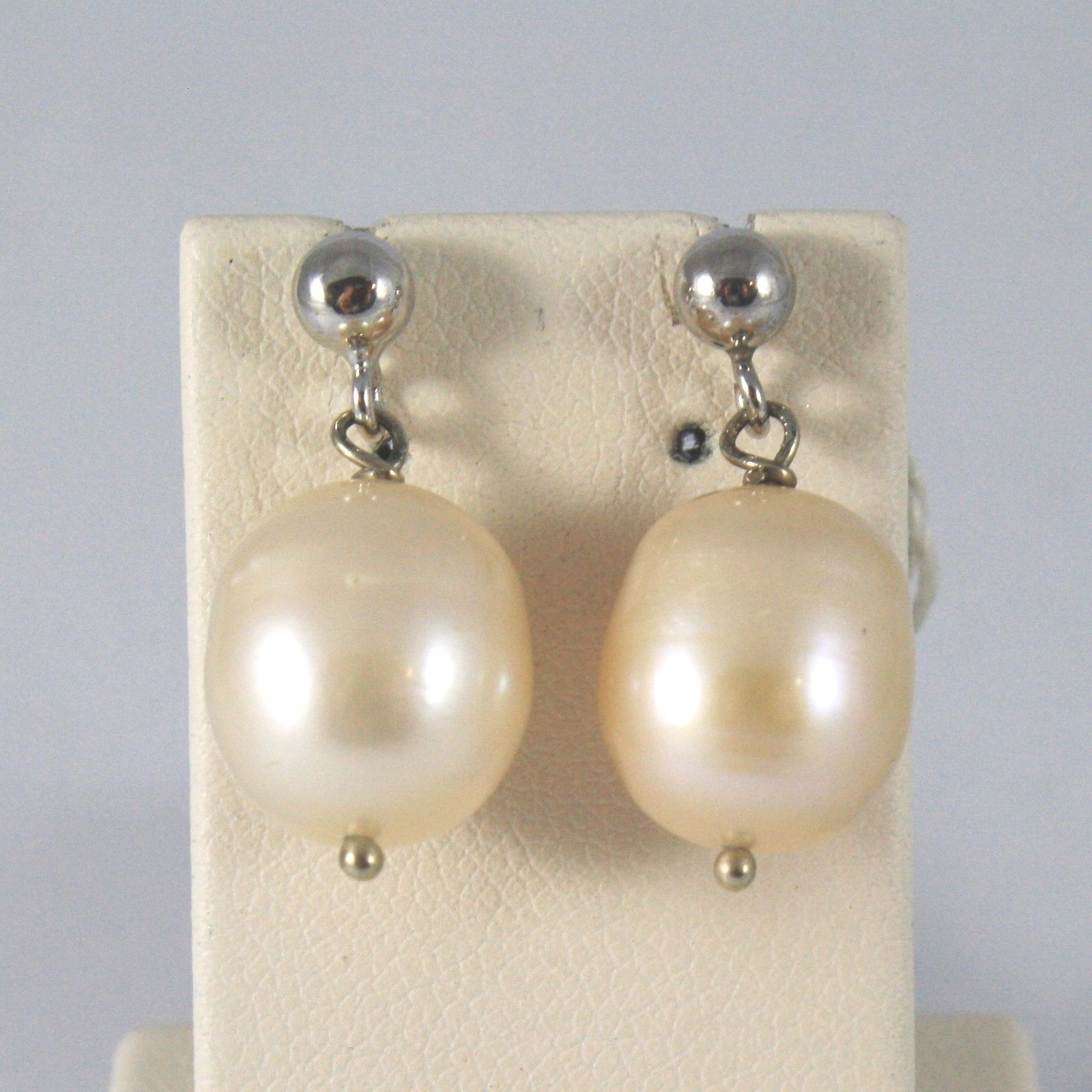 White Gold Earrings 750 18k charms, with pearls peach