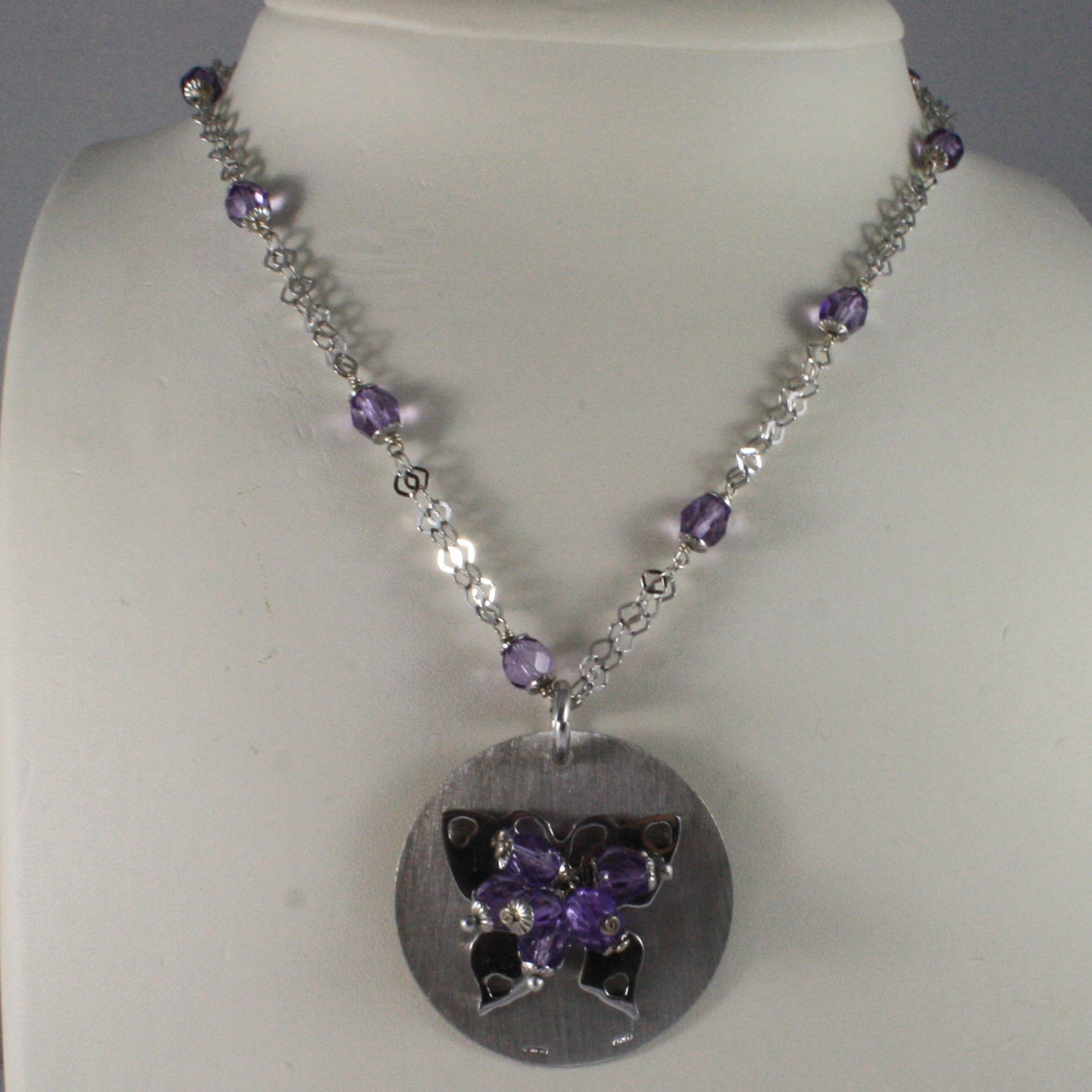 .925 SILVER RHODIUM NECKLACE WITH PURPLE CRYSTALS AND DISC WITH BUTTERFLY