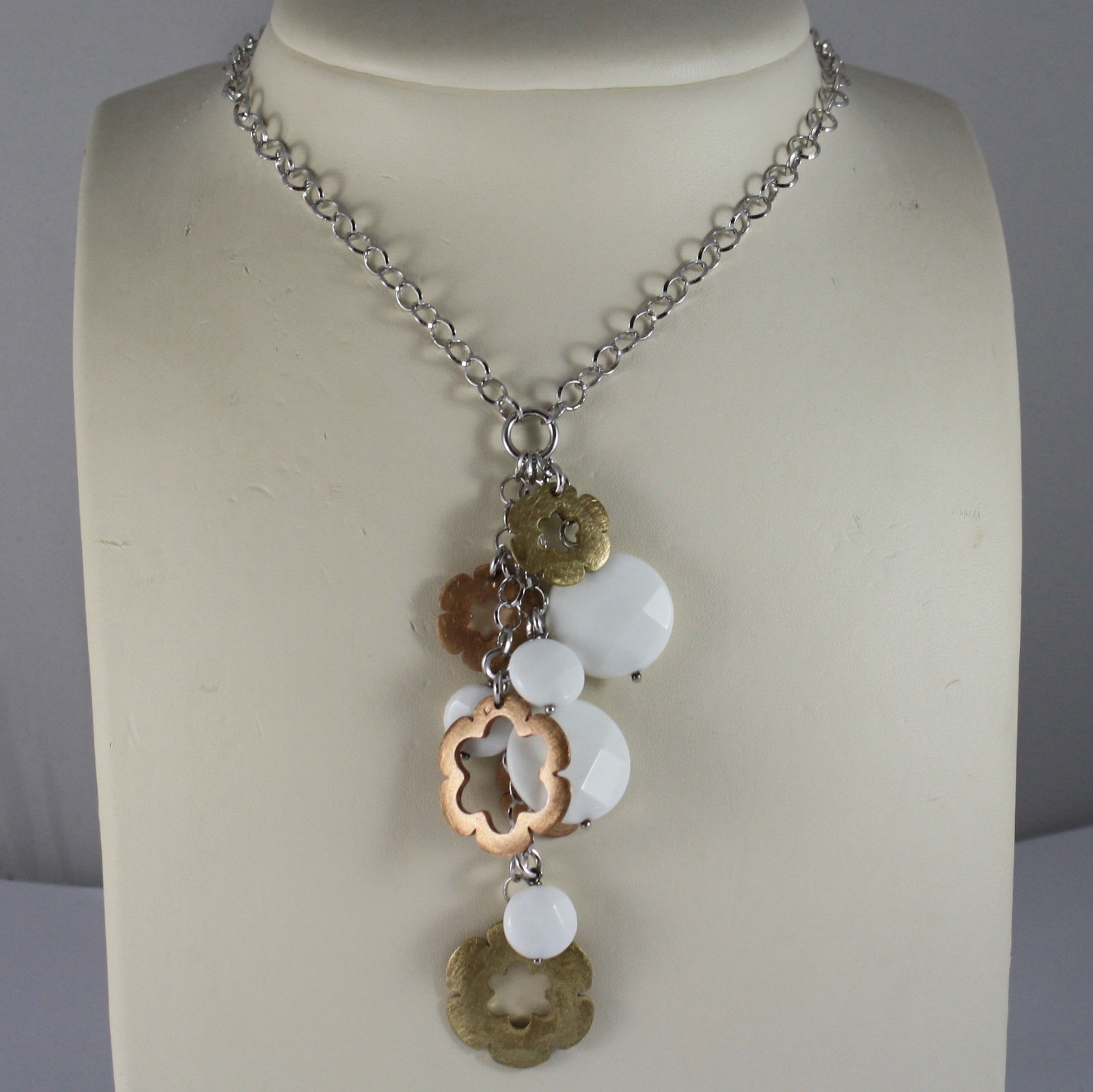 .925 RHODIUM SILVER NECKLACE WITH WHITE AGATE AND GOLDEN CHARMS