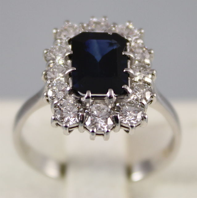 18K WHITE GOLD RING DIAMONDS ct1.60 BLUE SAPPHIRE ct1.50 WILL KATE MADE IN ITALY