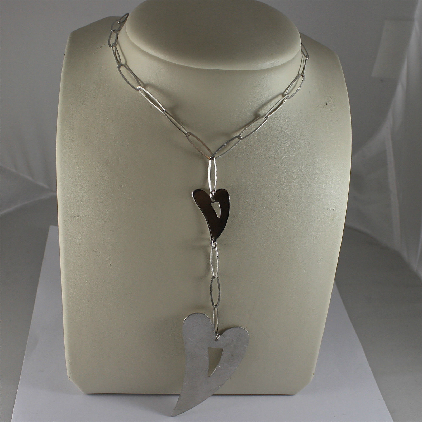 .925 RHODIUM SILVER NECKLACE, SCARF, SATIN OVAL MESH, TWO SATIN WORKED HEARTS.