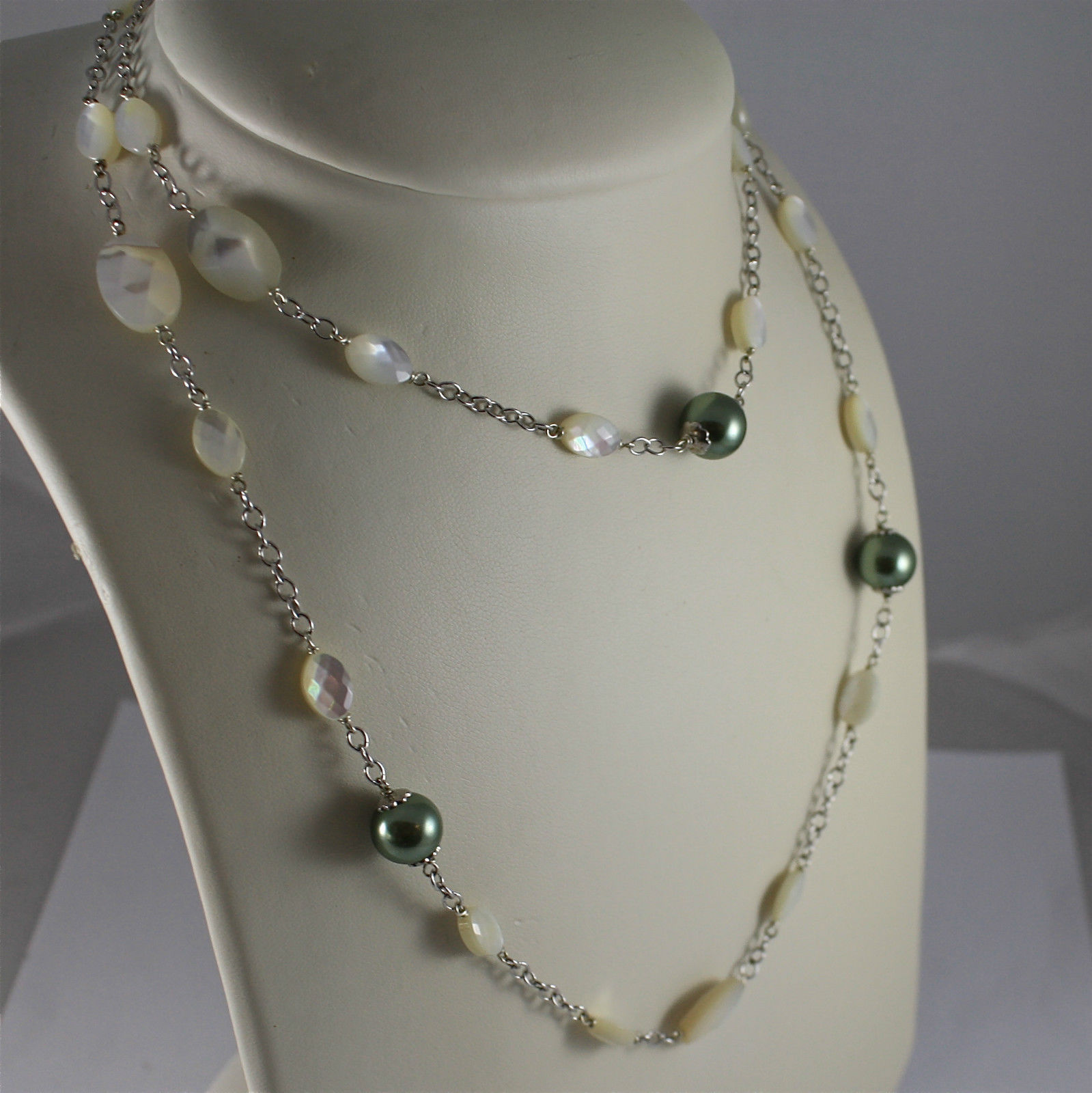 .925 RHODIUM SILVER NECKLACE, FACETED MOTHER-OF-PEARL, GREEN REBUILT PEARLS.