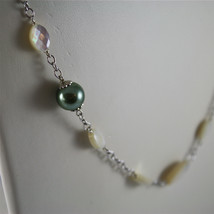 .925 RHODIUM SILVER NECKLACE, FACETED MOTHER-OF-PEARL, GREEN REBUILT PEARLS. image 2