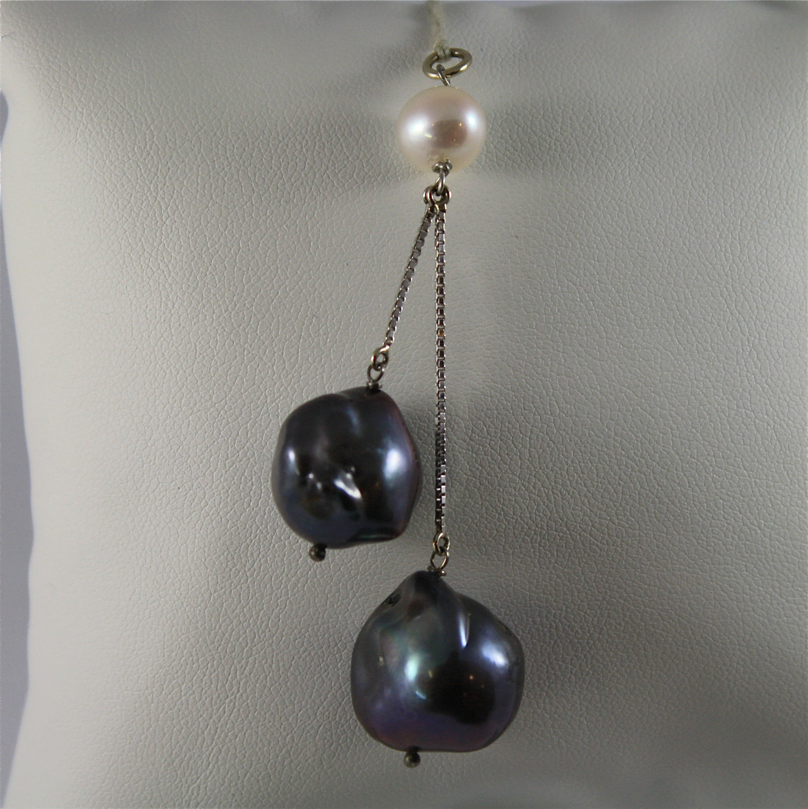 White Gold Pendant 750, 18k, Pearl White and Two Baroque Pearls, Black