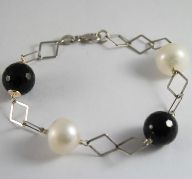 925 Silver Bangle with WHITE PEARLS AND ONYX SPHERES Black Faceted