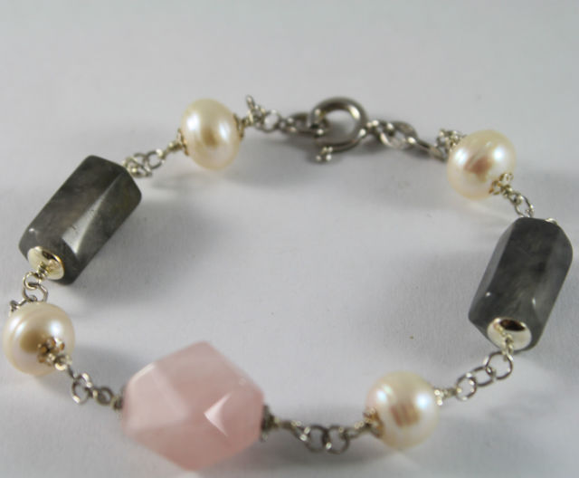 925 Silver Bangle with White Pearls, Rose Quartz and Quartz cylinder