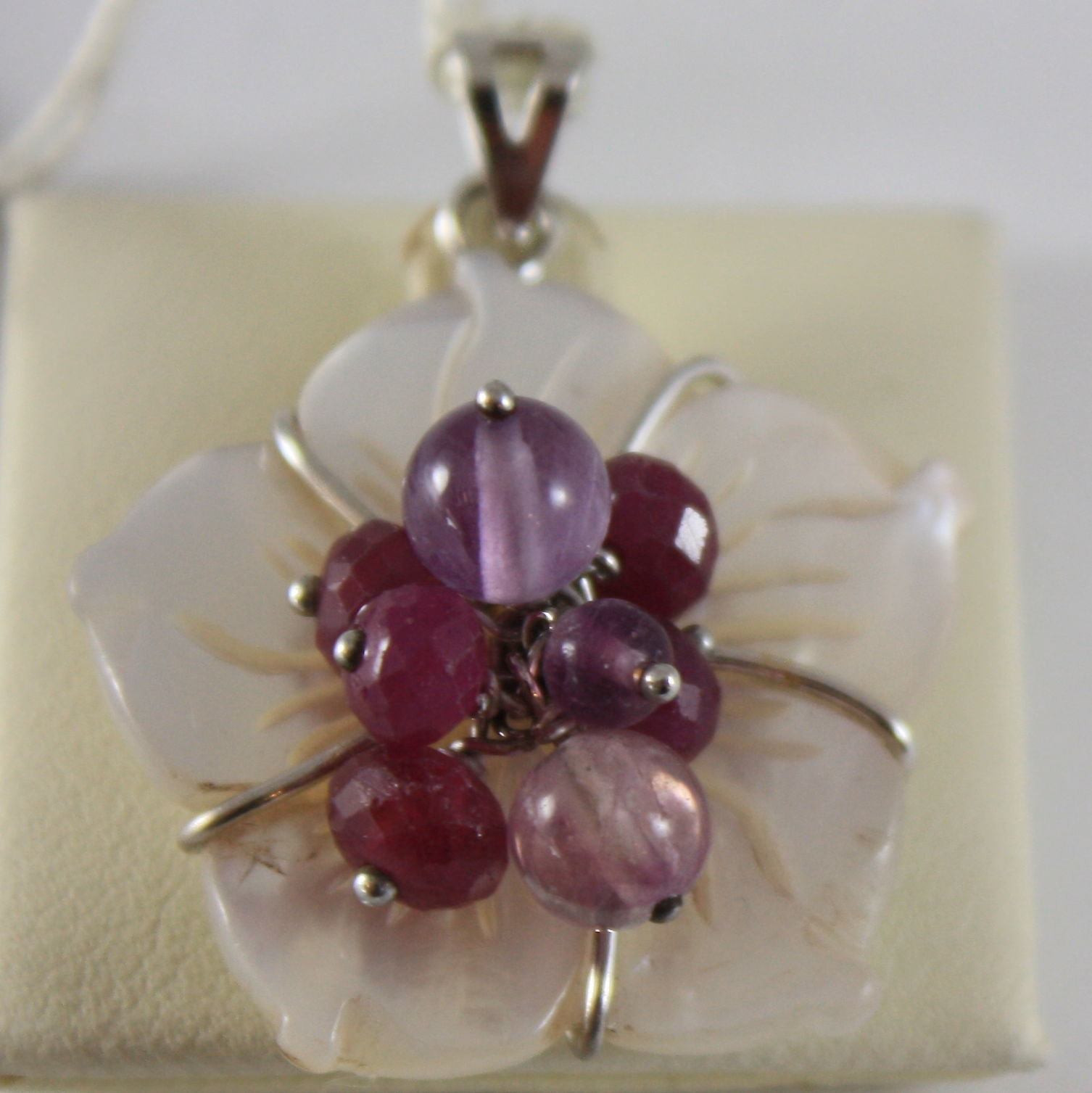 18K WHITE GOLD FLOWER PENDANT, MOTHER OF PEARL AMETHYST TOURMALINE MADE IN ITALY