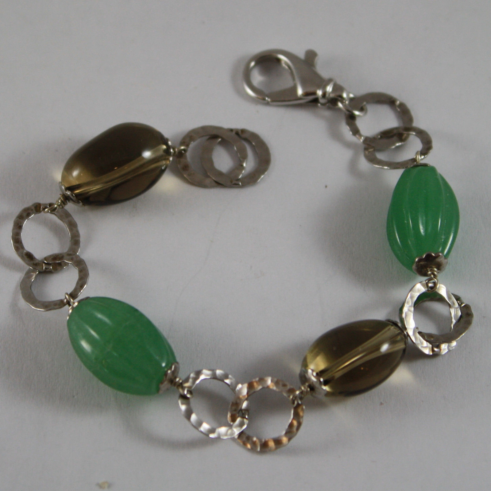 .925 RHODIUM SILVER  BRACELET WITH GREEN AGATE AND QUARTZ