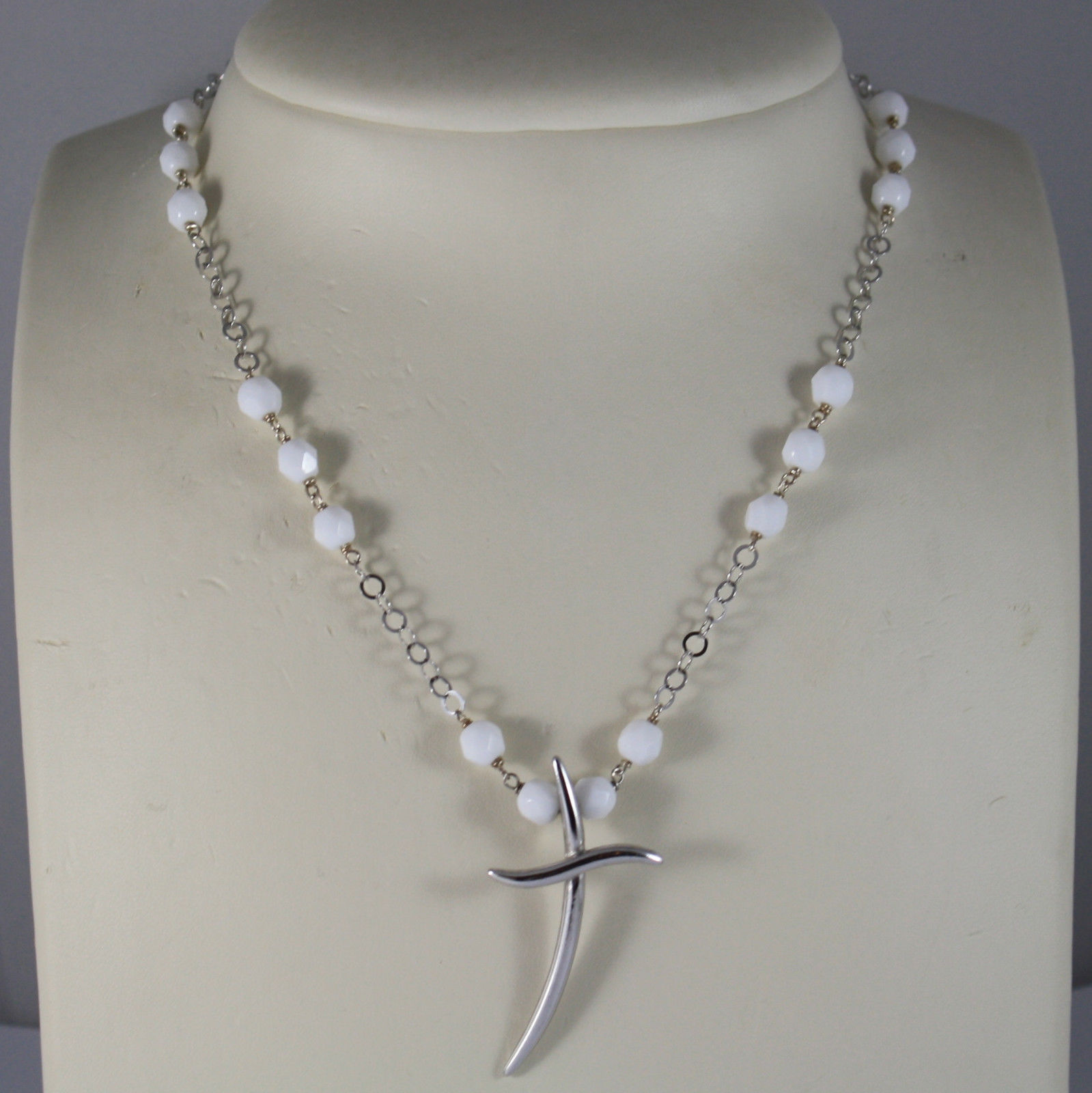 .925 RHODIUM NECKLACE WITH WHITE AGATE FACETED AND CROSS