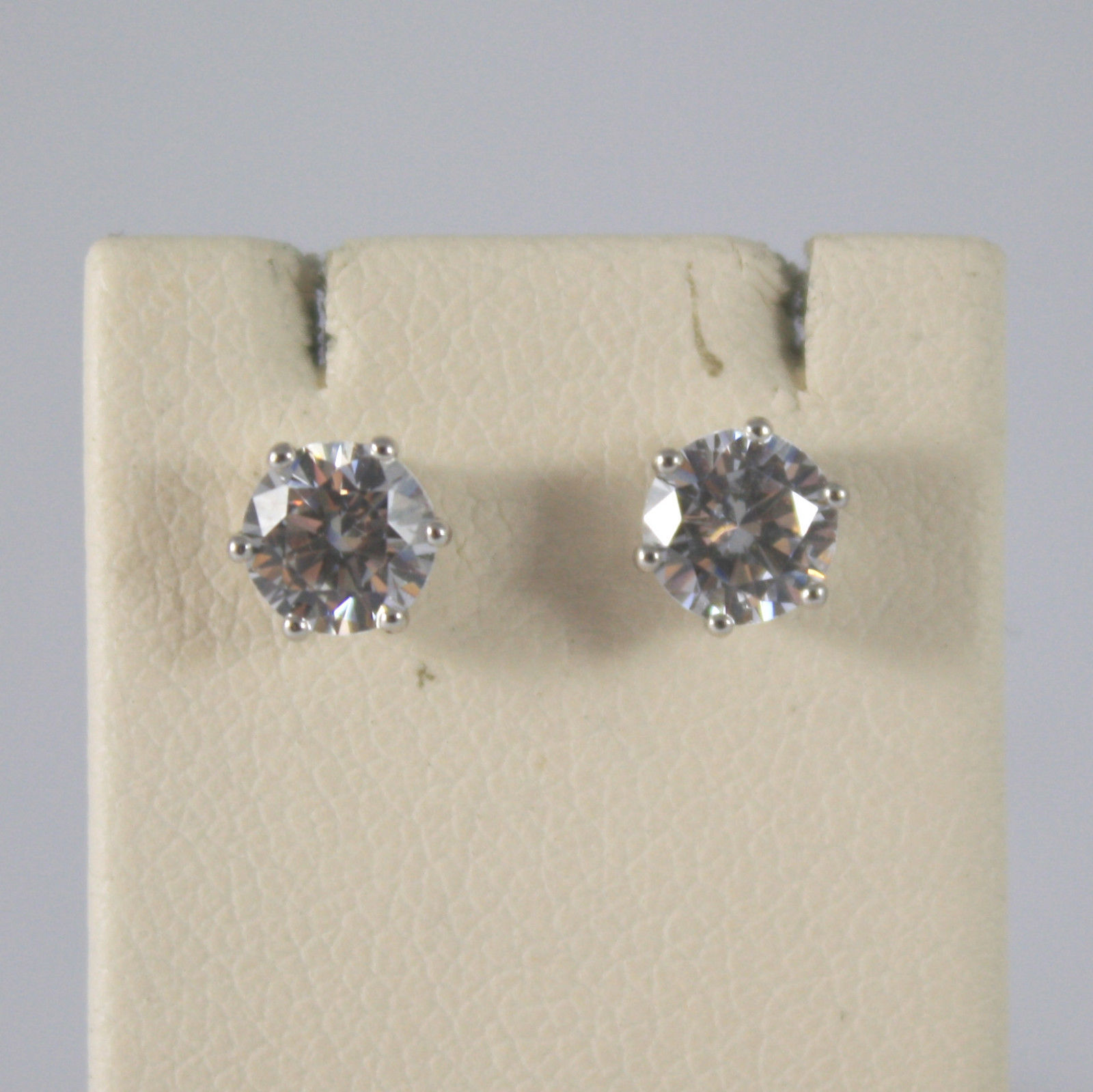 SOLID 18KT.WHITE GOLD EARRINGS, WITH ZIRCONIA, WIDTH 0,2 IN MADE IN ITALY.