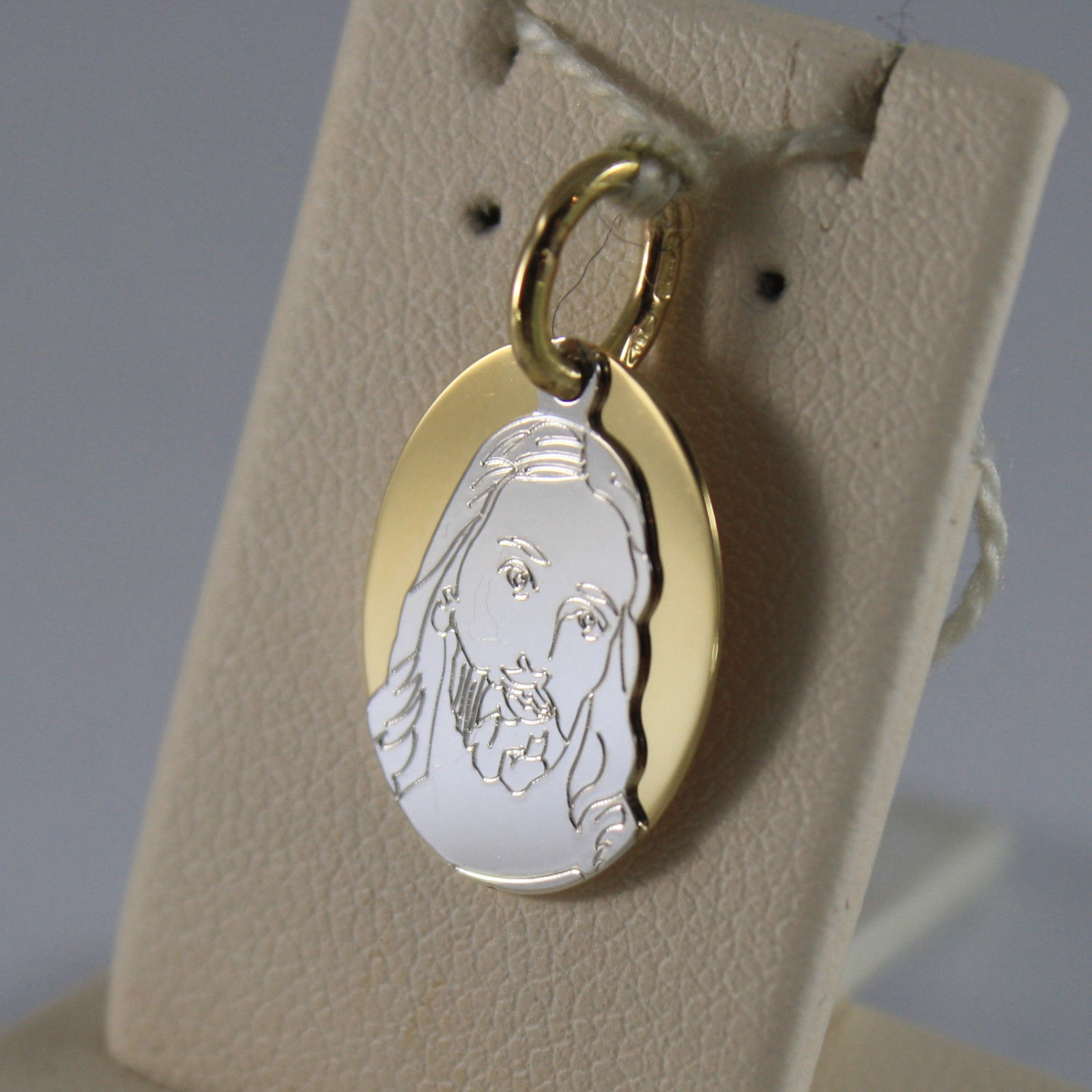 SOLID 18K YELLOW AND WHITE GOLD, OVAL MEDAL PENDANT,WITH JESUS, LENGTH 0,87 IN