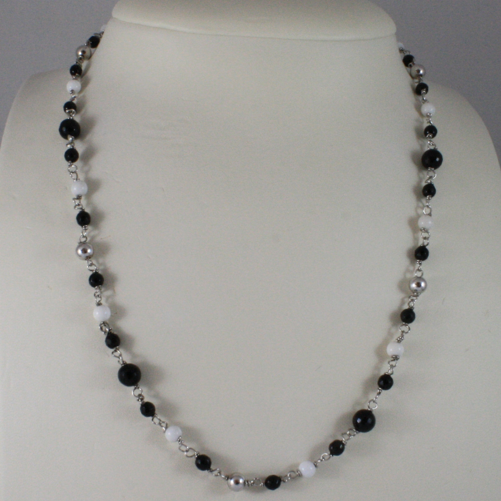 .925 SILVER RHODIUM NECKLACE WITH BLACK ONYX, WHITE AGATE AND SILVER SPHERES