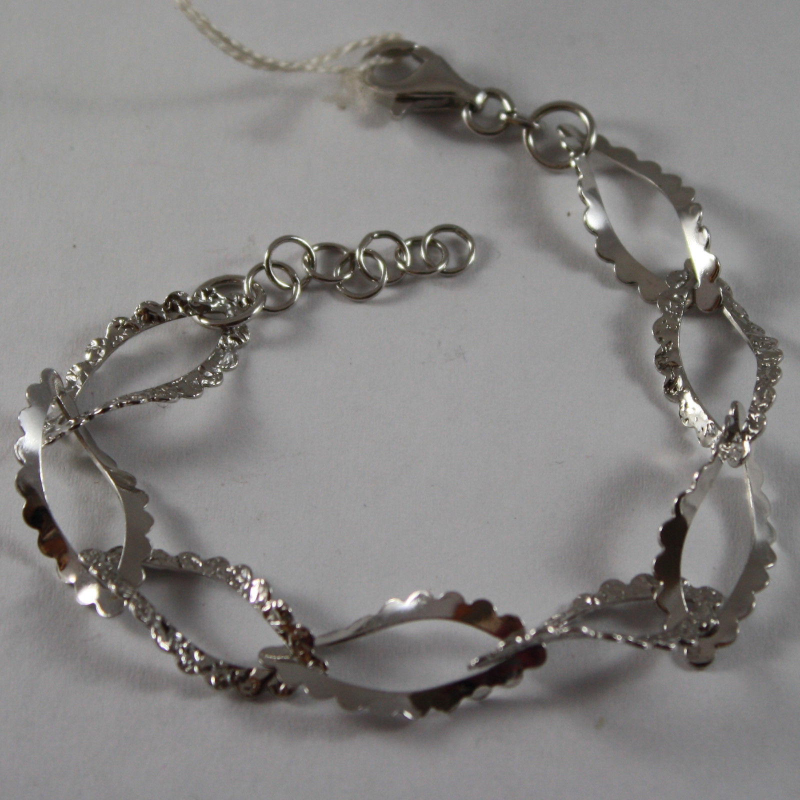 .925 RHODIUM SILVER BRACELET WITH GLOSSY AND HAMMERED LEAVES