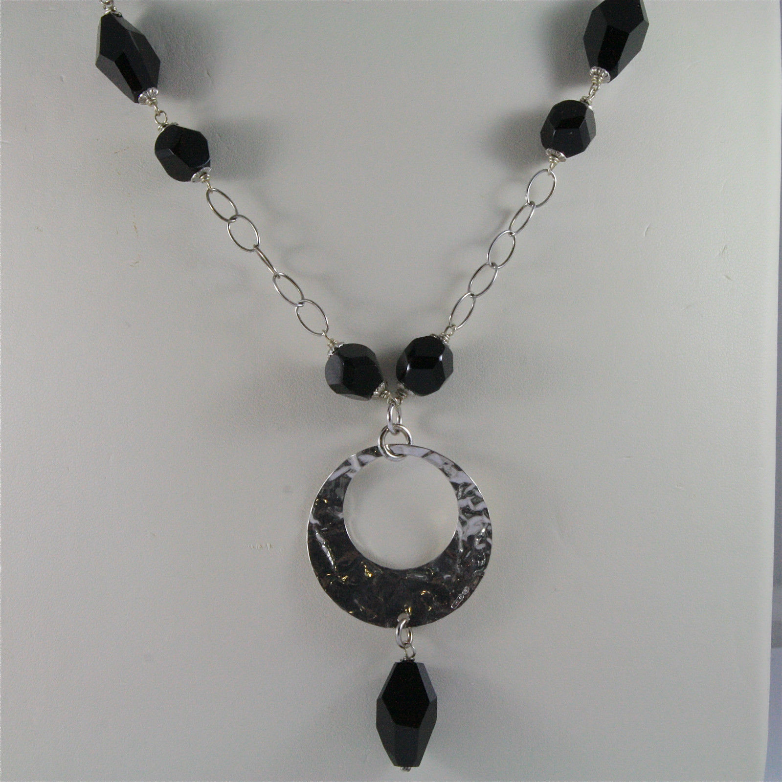 .925 SILVER RHODIUM NECKLACE, 16,54 In, HAMMERED DISC PENDANT, BLACK ONYX.