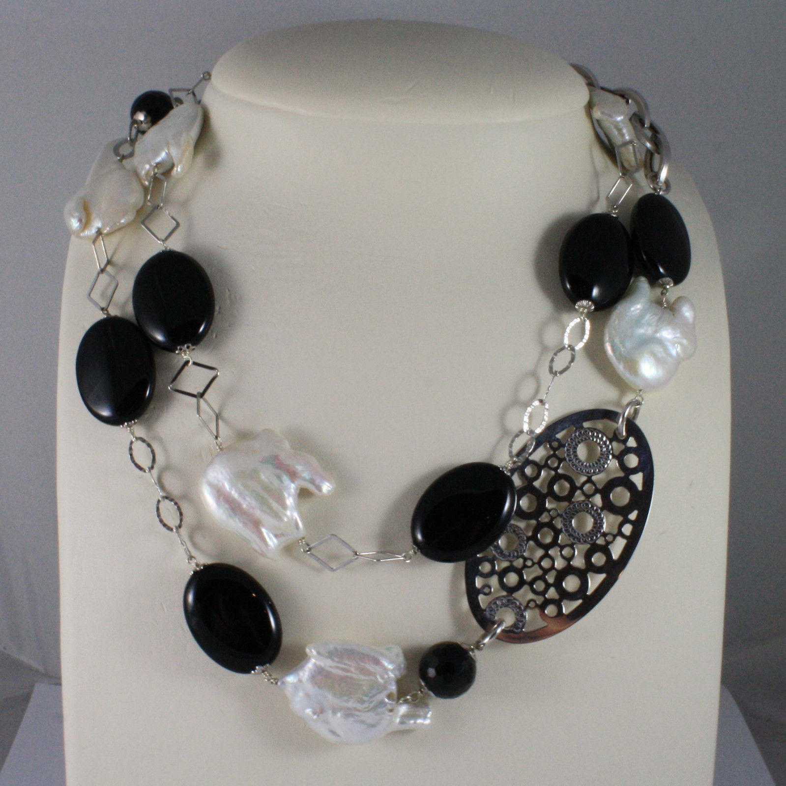 .925 SILVER RHODIUM NECKLACE WITH BLACK ONYX, BAROQUE WHITE PEARLS AND OVAL
