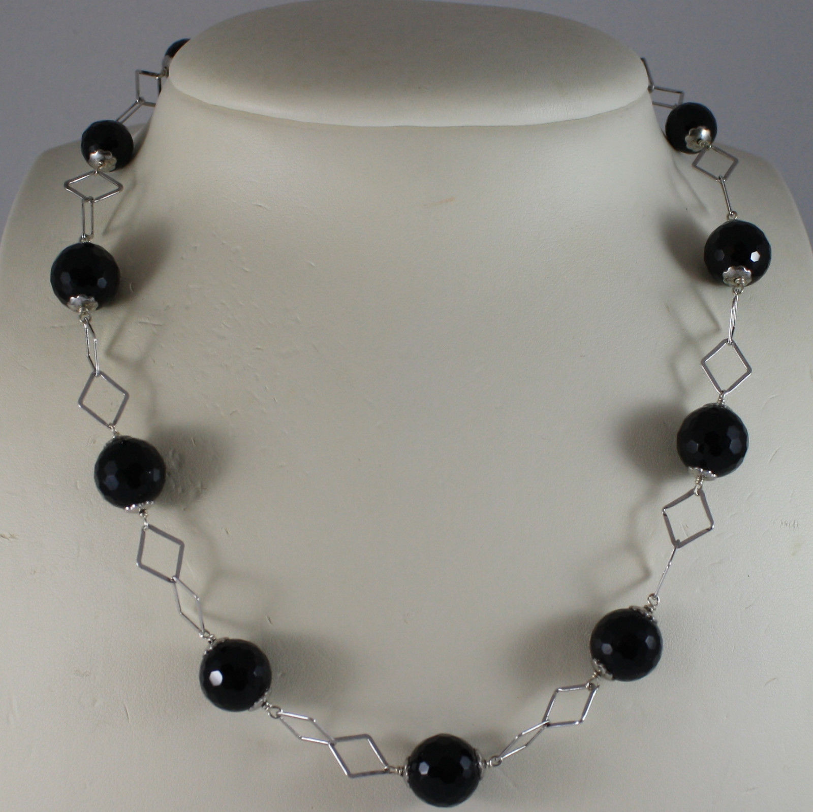 .925 SILVER RHODIUM NECKLACE WITH BLACK ONYX AND RHOMBUS MESH