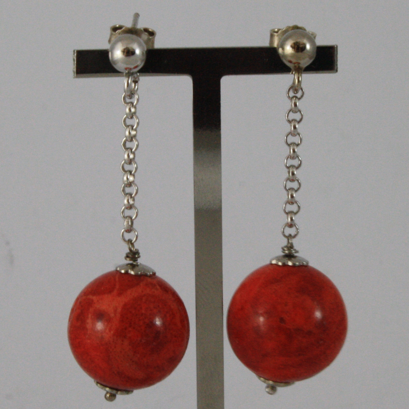 .925 SILVER RHODIUM EARRINGS WITH RED MADREPORA LENGTH 1,9 IN