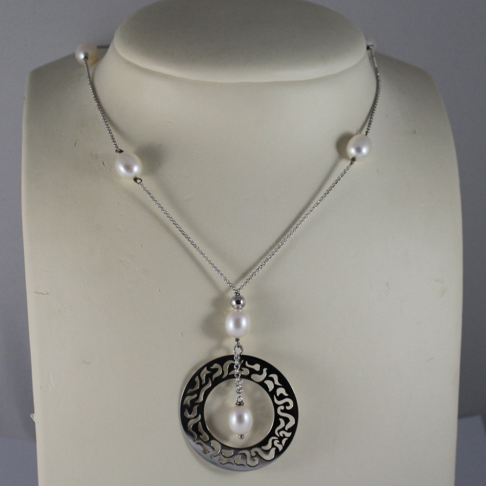 .925 RHODIUM SILVER NECKLACE WITH FRESHWATER WHITE PEARLS AND PERFORATED DISC