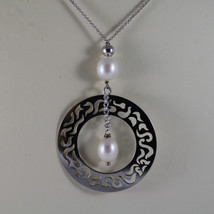 .925 RHODIUM SILVER NECKLACE WITH FRESHWATER WHITE PEARLS AND PERFORATED DISC image 3