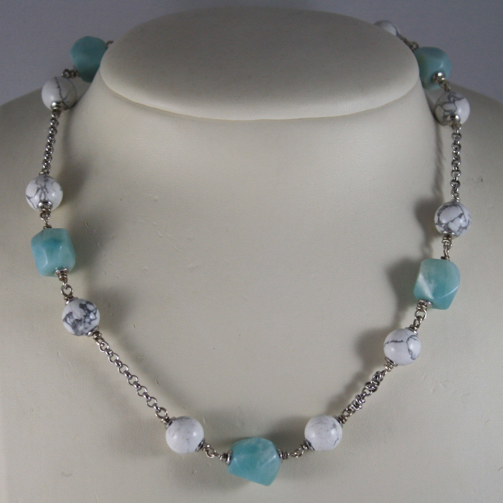 .925 RHODIUM SILVER NECKLACE WITH WHITE HOWLITE AND BLUE QUARTZ
