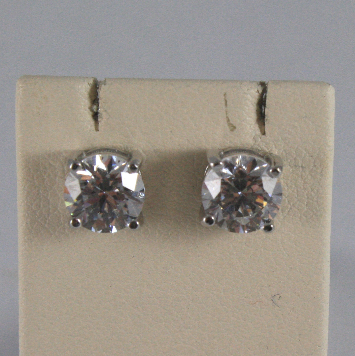 SOLID 18K WHITE GOLD EARRINGS, WITH FACETED ZIRCONIA WIDTH 0,2 IN, MADE IN ITALY